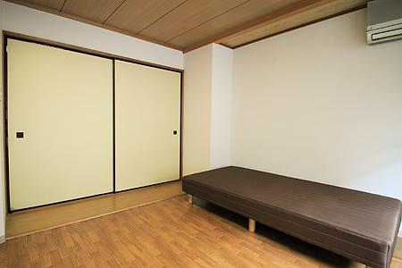 浅草201号室