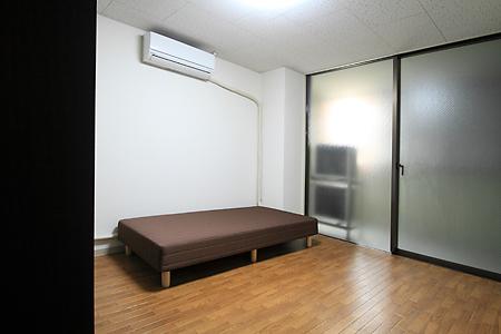 浅草205号室
